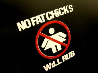 NO FAT CHICKS, WILL RUB- tarra valko/puna
