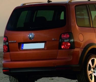 VW Cross Touran- takavalot